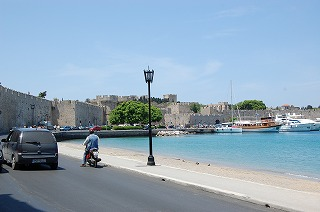 ロドス旧市街の城壁